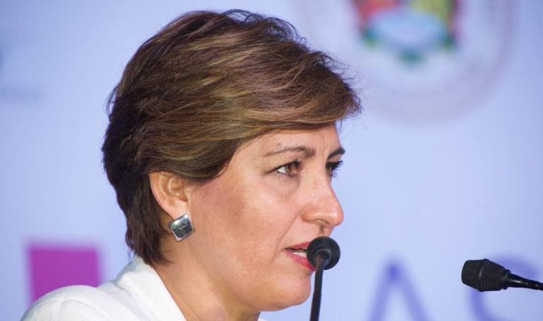 Almeida mantiene su cargo, pese a rendir protesta como diputada federal