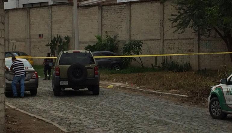 Con al menos 10 tiros, asesinan a tres en Tlajomulco