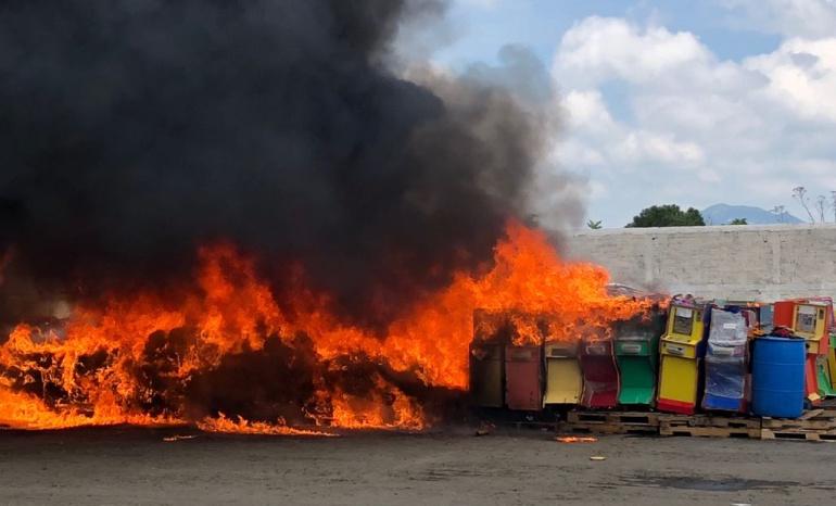 Destruyen droga y piratería incautada en Jalisco, Colima y Nayarit
