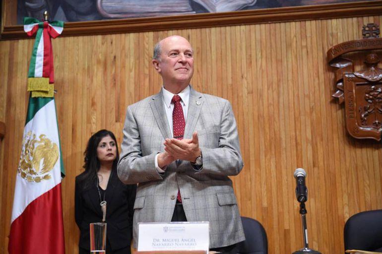 Rector de la UdeG pide a AMLO mayor presupuesto a universidades públicas