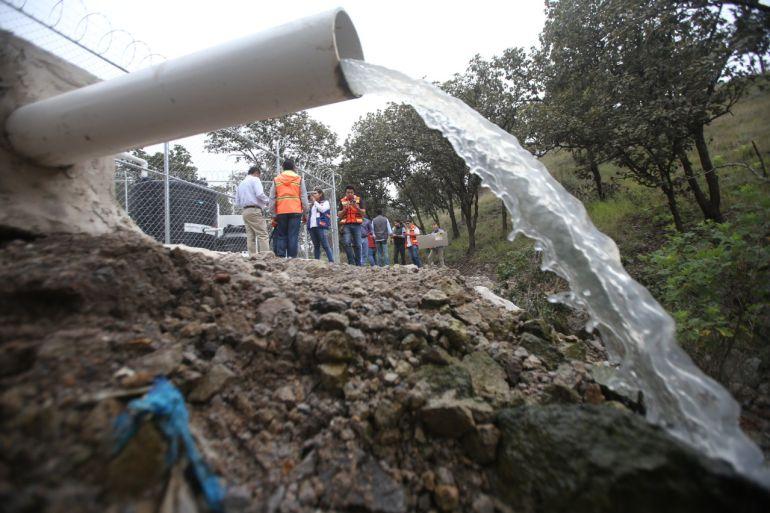 Entregan sistema de saneamiento en Pedregal de Milpillas, Zapopan