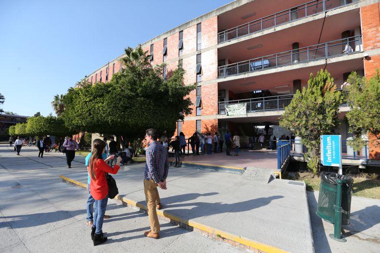 Tras protestas, comienza instalación de Senderos Seguros en el CUCHS