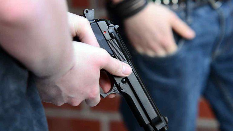 Asesinan a mujer en un asalto