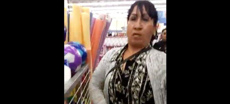 Capturada infraganti robando en supermercado