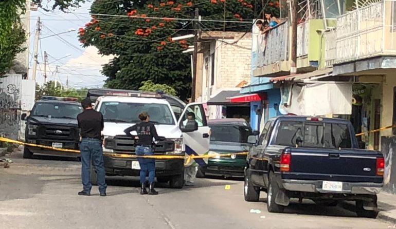 Asesinan a un hombre y hieren a su pareja en Tlaquepaque