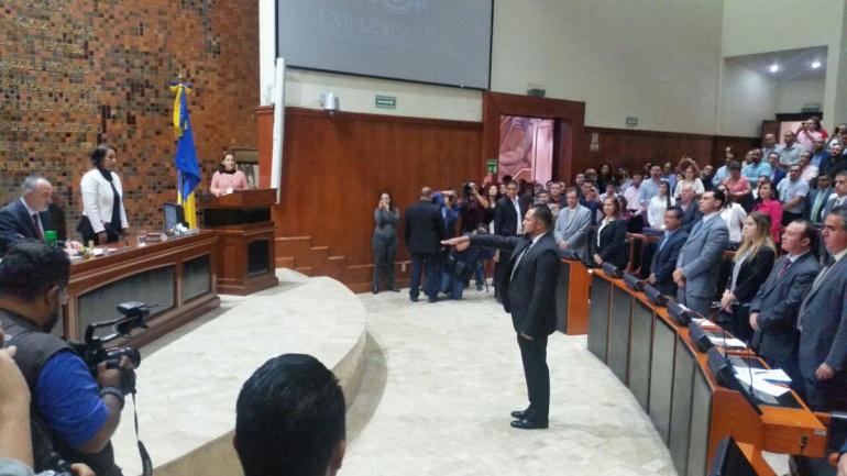 Rinden protesta los diputados suplentes de Alejandro Hermosillo y Patricia Martínez