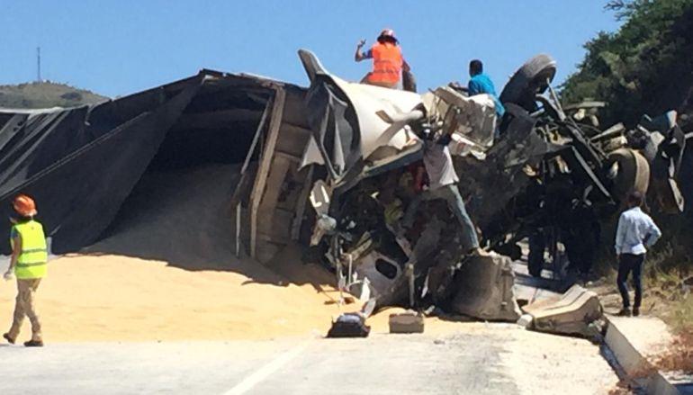 Choque entre cuatro vehículos deja dos muertos en Tequila