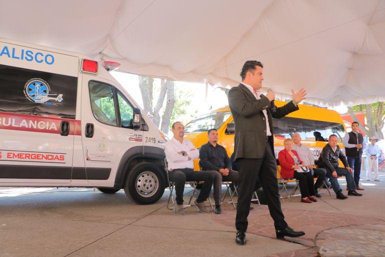 Entregan ambulancia en San Marcos