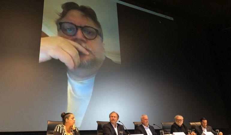 Guillermo del Toro becará a estudiantes con 60 mil dólares anuales