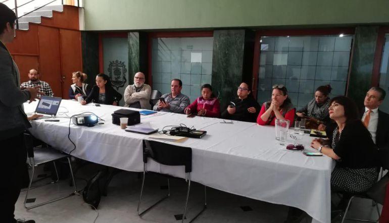 Ríspida reunión entre vecinos y personal de movilidad por ParkiMóvil en Zapopan