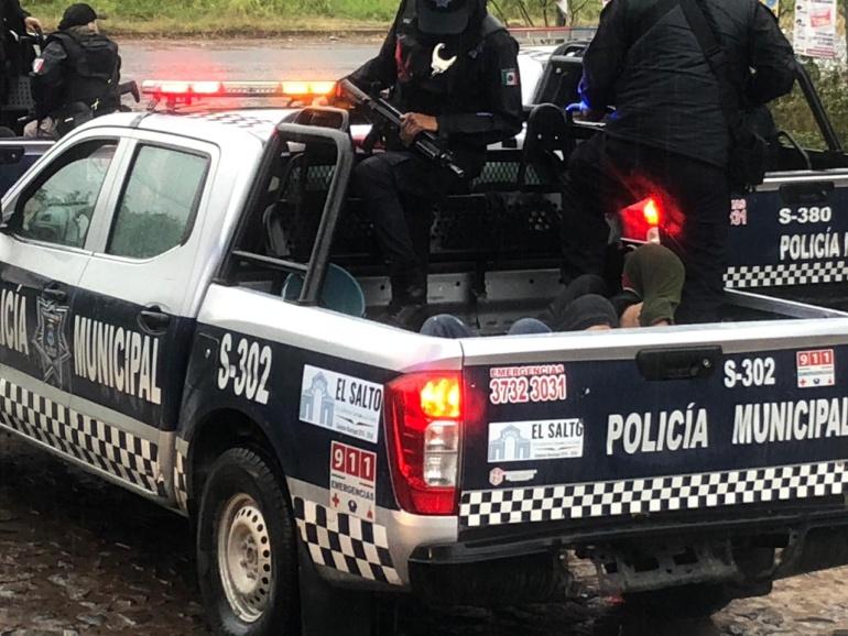 Van 12 detenidos tras agresión a comisario de El Salto