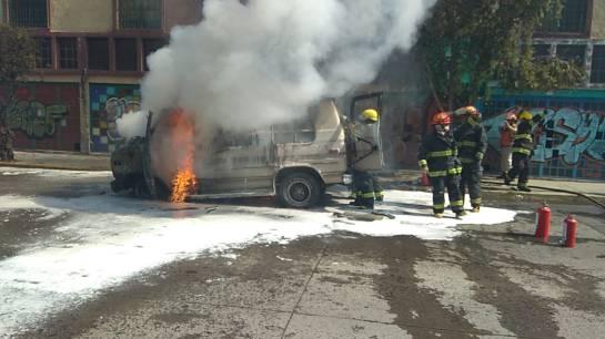 Cierran avenida Enrique Díaz de León por accidente