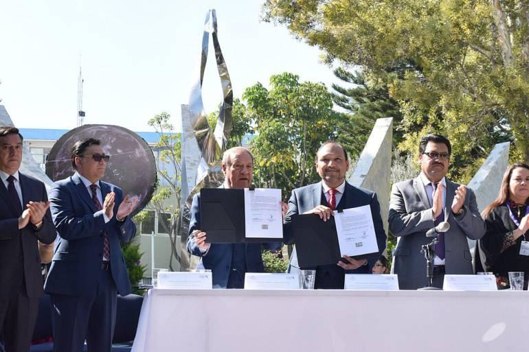 Firma CEDH convenio con la Luz del Mundo