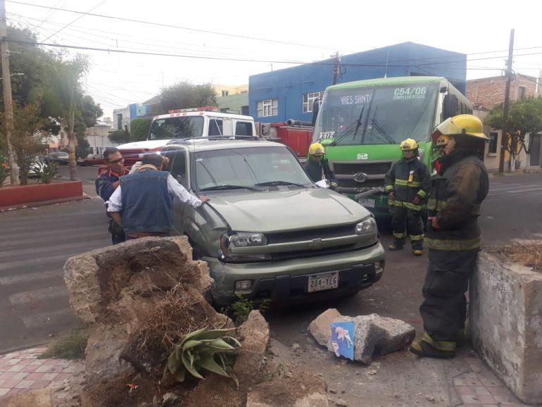 Choque deja un lesionado en zona de Medrano