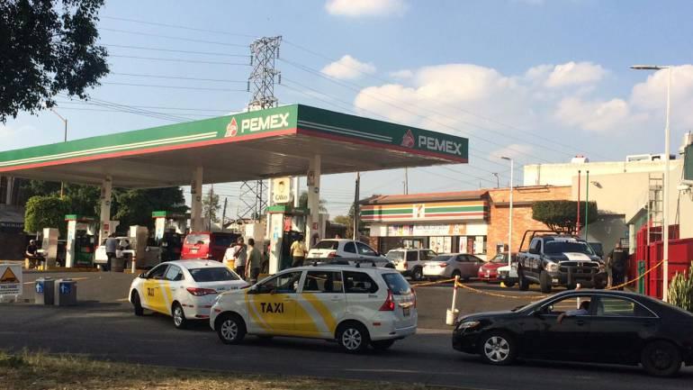 Permanece desabasto de gasolina