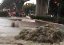 Lluvia en obras del colector pluvial Ávila Camacho causaron desbordamiento