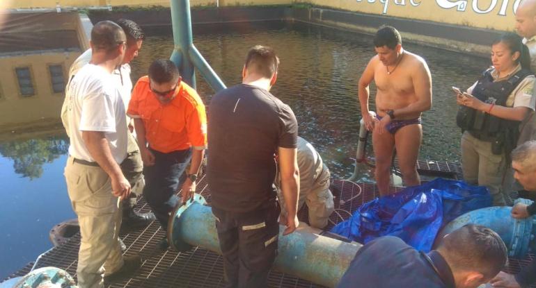 Menor de edad muere ahogado en un estanque del SIAPA