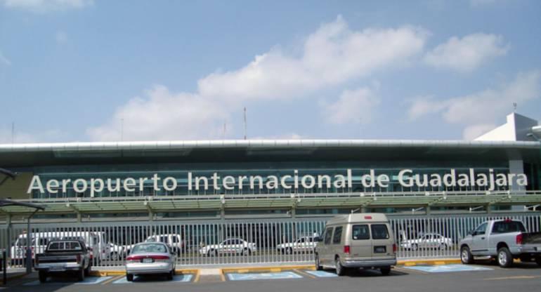 Localizan tres armas en la Aduana del Aeropuerto