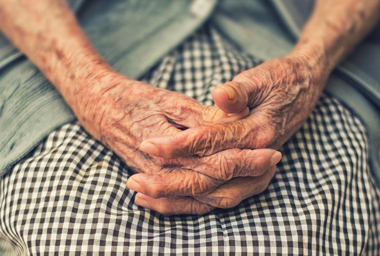 67% de adultos mayores recibieron apoyo económico: Carlos Lomelí