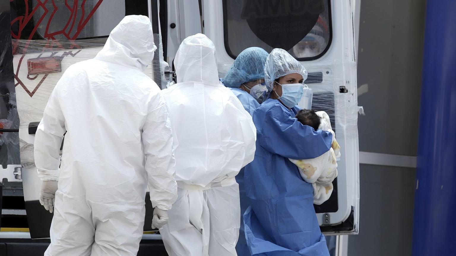 Suman 174 muertes y 3,181 contagios por COVID-19 en México