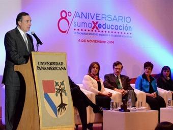 Otorgan Premio José Vasconcelos a Leonardo Kourchenko