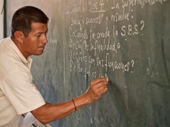 """Este sábado en Educación XXI: """"El perfil del maestro en México""""."""