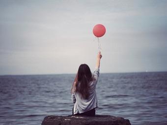 Resultado de imagen para las maneras de evitar que la soledad afecte su salud