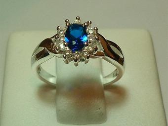 55565862d375 Cómo escoger anillo de compromiso