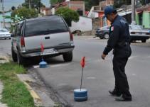 #YoDenuncio: Mi vecino acapara vía pública para estacionar sus autos