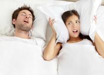 ¿Sabía que dormir con alguien que ronca afecta tu salud?