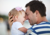 Hombres, dejen de creer en esos mitos acerca de la crianza