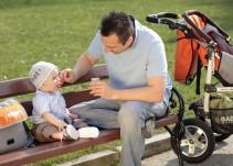 Padres solteros sufren discriminación en guarderías