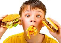 ¿Estás comiendo tú, o está comiendo tu niño interior?