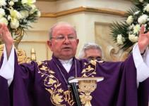 """""""Sentirse atraídos por el mismo sexo, es anormal"""": Obispo de Veracruz"""