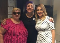 """Paquita la del Barrio y Alicia Villareal llegan a la cabina de """"Triple W"""""""