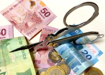 """""""El Financiero"""": Sector Salud y Educación afectados por el recorte al presupuesto"""