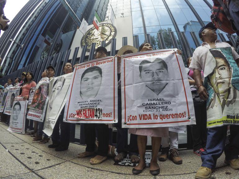 SEDENA tiene 10 días para entregar fotos del caso Ayotzinapa: INAI