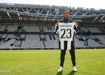 La Juventus presenta a Dani Alves