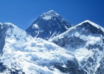 Luis Álvarez platica cómo llegó a la cima del Monte Everest