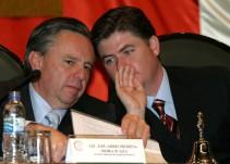 Acusan a ex gobernador de NL por uso indebido de sus funciones