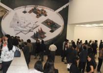 Acompaña a Fernando Rivera Calderón durante su recorrido por la exposición 'Los Parques de Noguchi'