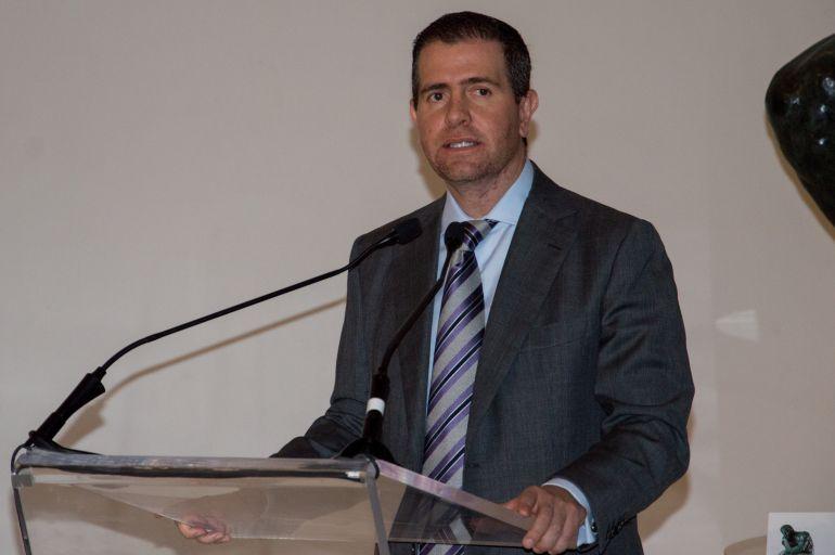 """""""Deportes"""": Alfredo Castillo pone su renuncia sobre la mesa"""