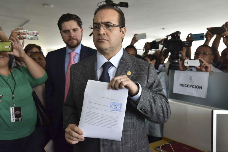 'Los Puntos y Puntadas de Verónica' presenta: Javier Duarte deja el gobierno de Veracruz