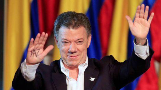Juan Manuel Santos recibió el Nobel de la Paz y señaló que en Colombia la guerra terminó