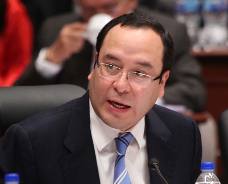 INE multa con 402 mdp a partidos políticos