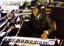 """""""Así Sopitas"""": Muere William Onyeabor pionero del funk"""