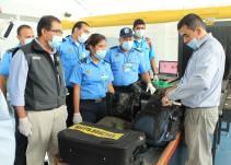 #AsíSopitas: ¿Agentes aduanales pueden revisar celulares, computadoras o tabletas?