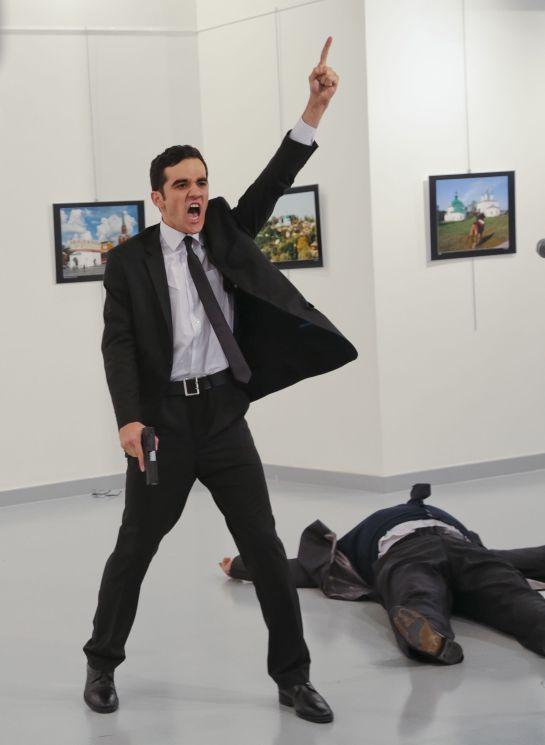 """""""Un asesinato en Turquía"""" revive la esencia del fotoperiodismo"""