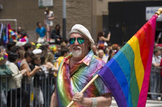 #AsíSopitas: Muere el creador de la bandera del movimiento LGBTTTI