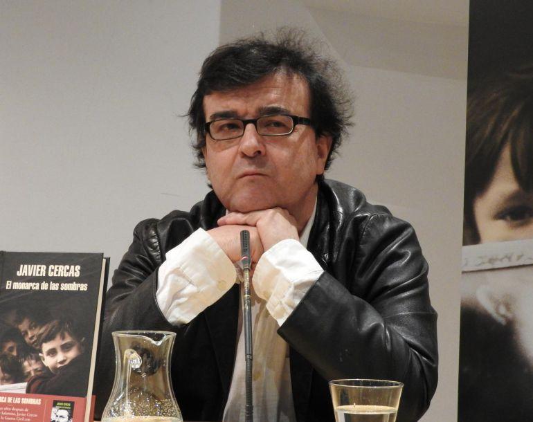 """""""Ojalá nuestras sociedades no necesitaran héroes"""": Javier Cercas"""